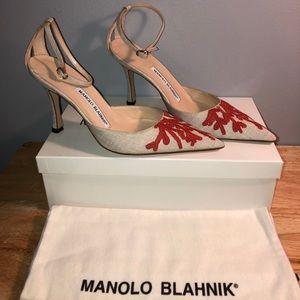 Manolo Blahnik NWT Beige Heels